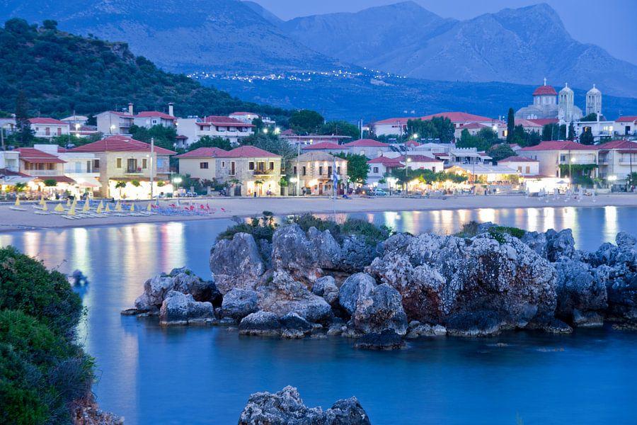 Mediterraans dorpje aan zee