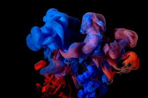 Blauw en rode verf explosie van Marcel Runhart