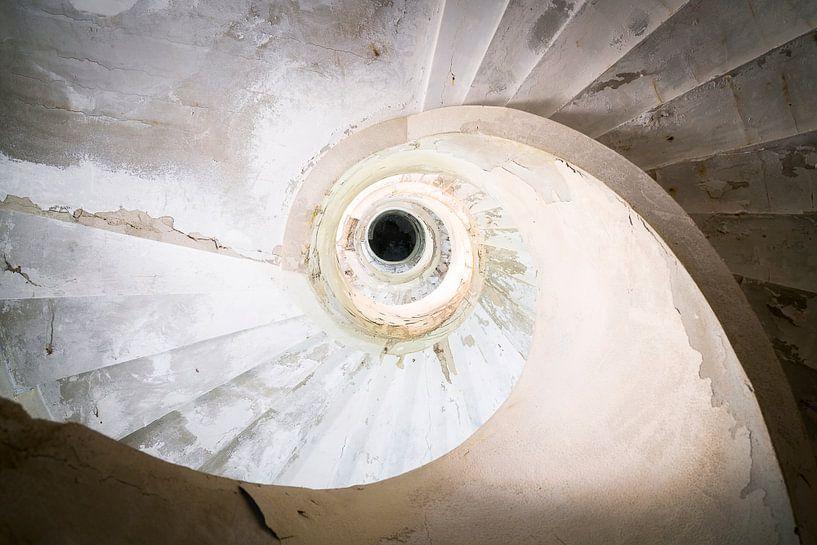 Verlaten Trap in Verval. van Roman Robroek