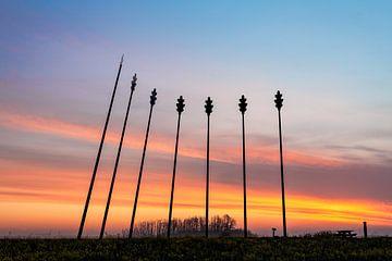 Monument Oerwold De Onlanden tijdens zonsopkomst van R Smallenbroek