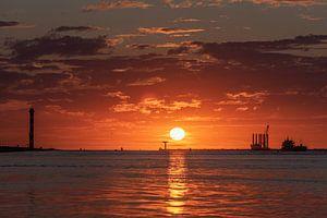 Zomer 2020. Verkoeling zoeken aan zee en dan een mooie zonsondergang meemaken.