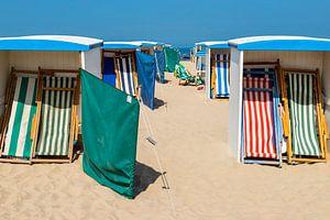 Strandhütten, eine Sommerszene in Katwijk aan Zee, Südholland