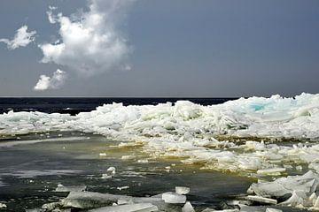 Kruiend ijs III van Anja Jooren