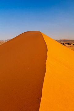 Erg Chebbi, zandduin bij zonsondergang, Marokko van Markus Lange