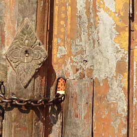 tempelpoort met slot - Cambodja van Nicole - Creative like Nomads