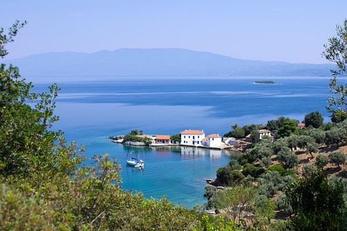 Idyllische Griekse baai van Miranda van Hulst