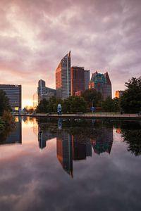 Skyline van Den Haag bij zonsopkomst van
