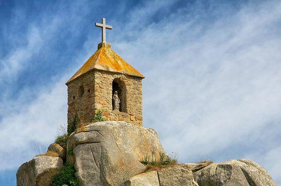 Notre-Dame de Port Blanc in der Bretagne, Frankreich von Evert Jan Luchies
