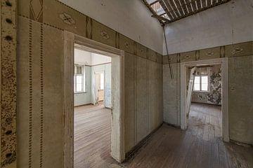 Ansicht eines verlassenen Gebäudes von Marco Verstraaten