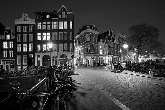 Amsterdam After Dark van Scott McQuaide