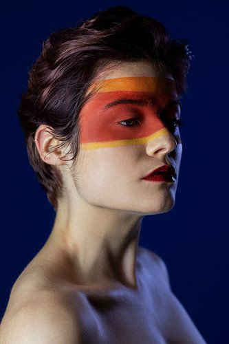 De gemaskerde schoonheid van Iris Kelly Kuntkes