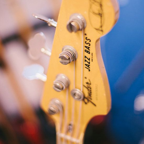 Gitaar - Jazz Bass van Colin van der Bel