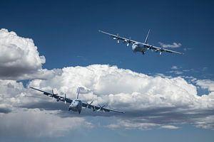 Lockheed C-130 Hercules, low approach