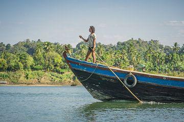 Kapitein op de Lemro rivier, Mrauk U, Myanmar sur Annemarie Arensen