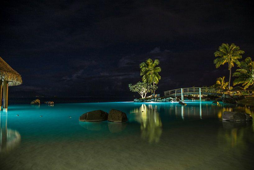 Tahiti by Night van Ralf van de Veerdonk
