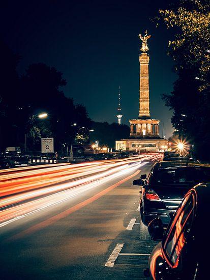 Berlin at Night – Strasse des 17. Juni / Victory Column