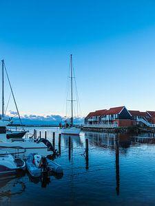Vue du port de Klintholm Havn au Danemark