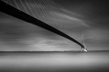 Pont de Normandie van Antwan Janssen