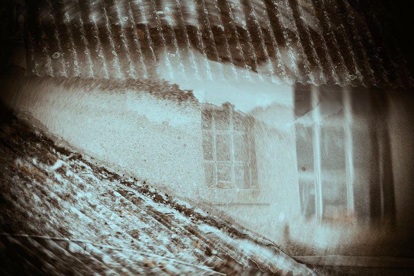 Spookraam in double exposure van Cristel Brouwer