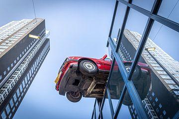 Auto außerhalb des Gebäudes von Jack Donker