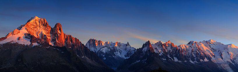 Zonsondergang bij Chamonix  van Sander van der Werf
