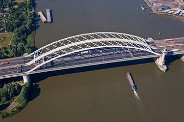 Luchtfoto Van Brienenoordbrug te Rotterdam 2 van Anton de Zeeuw