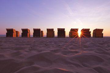 Strandstoelen op het strand van