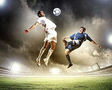 Fußballspieler im Duell miteinander von Henny Hagenaars