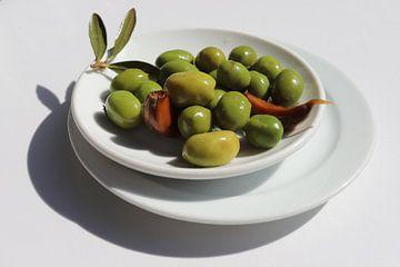 Oliven auf dem Teller von Martijn de Ridder