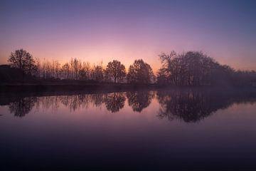 Sonnenaufgang auf dem Kanal von Marc Vandijck