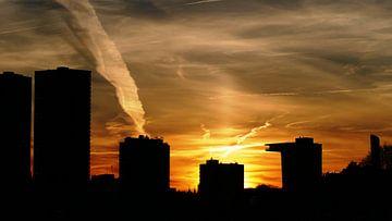 Zonsondergang in Rotterdam von R. Khoenie