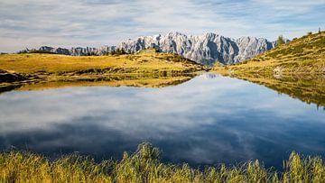 Kleiner Bergsee mit Hochkönig von Coen Weesjes