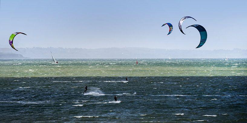 Kitesurfing and sailing von Andreas Wemmje