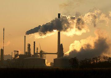 Industrie mit tiefstehender Abendsonne von Sky Pictures Fotografie