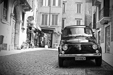 Vintage Fiat 500 oldtimer in Italie van Jasper van de Gein Photography
