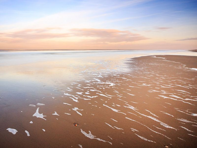 Zand, zee, wind en schuim van Remco Bosshard