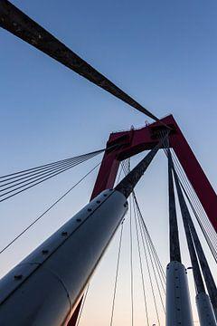De vernieuwde Willemsbrug 4 van Peter Dane