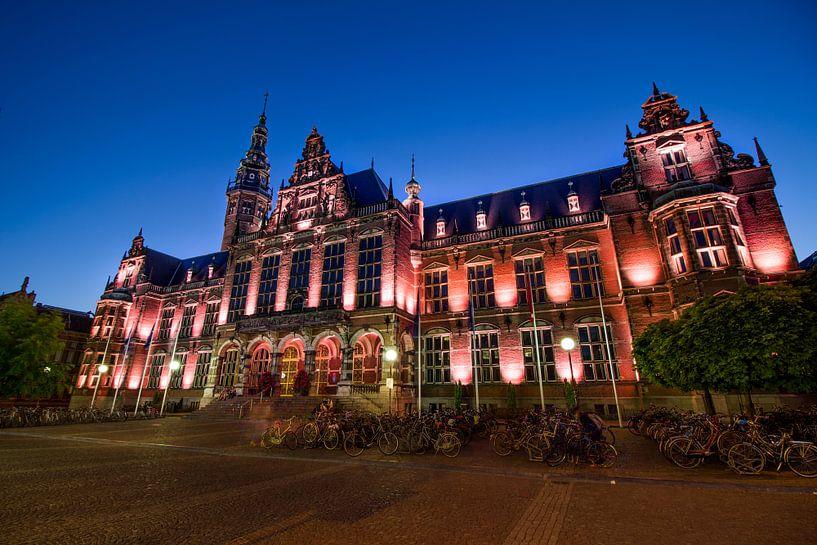 Academiegebouw begin van de avond  van Iconisch Groningen