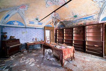 Wohnzimmer im Verfall. von Roman Robroek