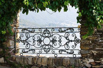 Doorkijkje Isle de Brissago  van Nanette de Jong