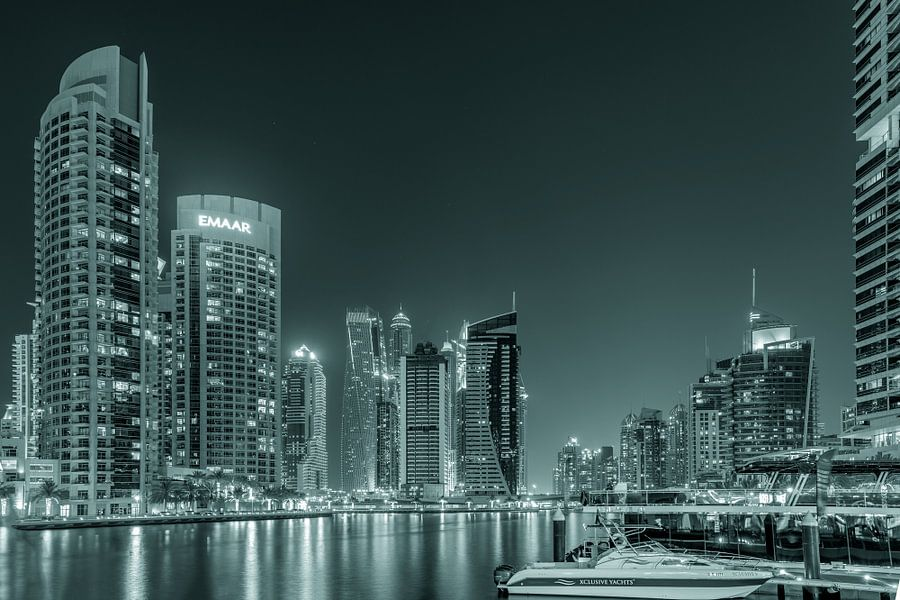 Dubai Marina 2.0 van Michael van der Burg