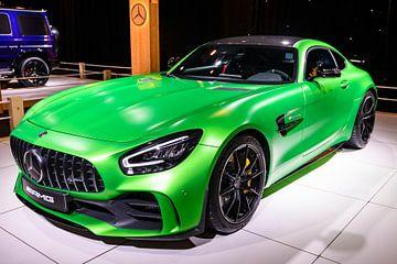 Mercedes-AMG GT R Coupé Sportwagen in Grün von Sjoerd van der Wal