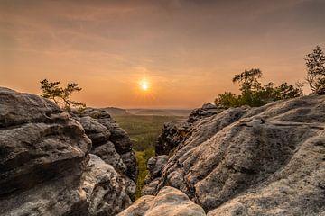 Zonsondergang in het Elbsandstein gebergte van Marc-Sven Kirsch