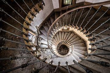 Trap spiraal van bovenaf gezien van Inge van den Brande