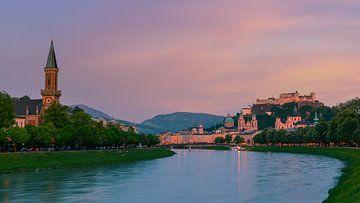 Zonsondergang in Salzburg van Henk Meijer Photography