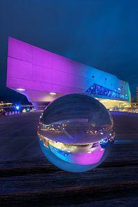 Glazen bol voor de Phaeno Wolfsburg van Marc-Sven Kirsch