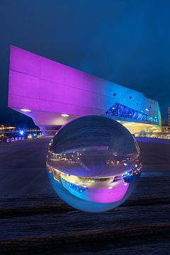 Glaskugel vor dem Phaeno Wolfsburg von Marc-Sven Kirsch