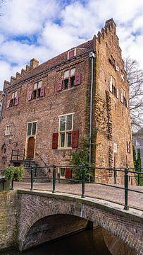 Haus mit Brücke in Amersfoort, Niederlande von Jessica Lokker
