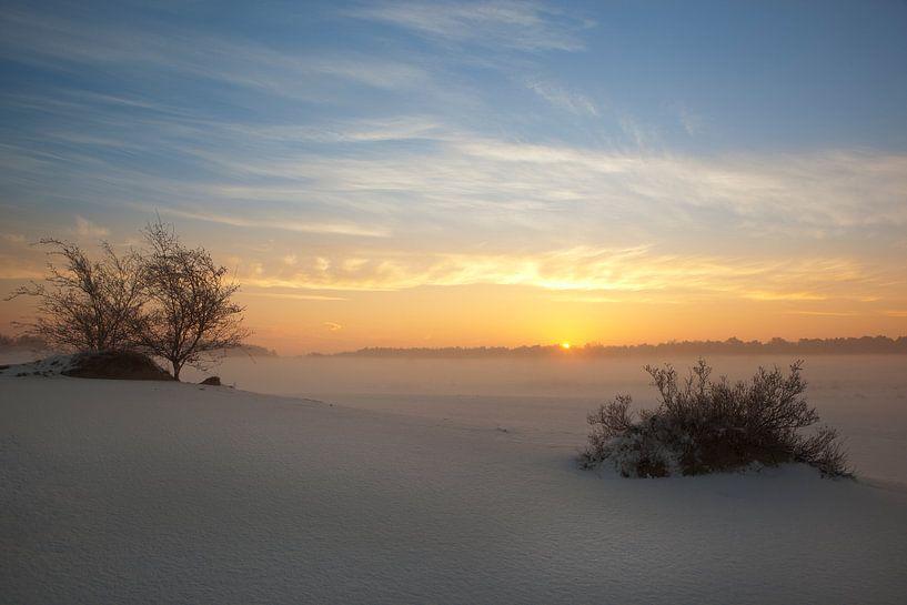 Sunrise van Leo van Valkenburg