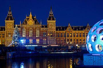 Flye's Eye Dome voor Amsterdam CS van Remco Swiers